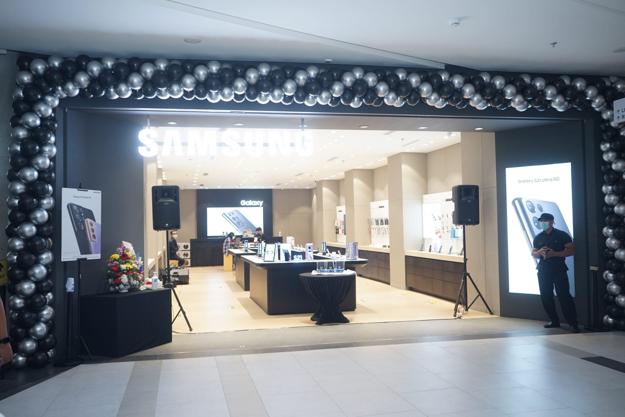 Grand Opening Store Samsung